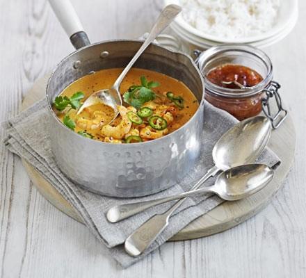 Quick prawn, coconut & tomato curry