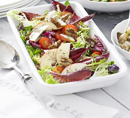 Lettuce, chicory & apple salad with poppy seed dressing