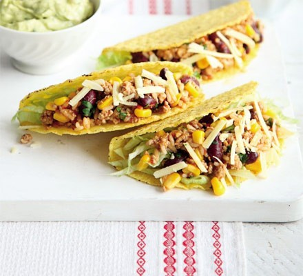 Turkey chilli & rice tacos