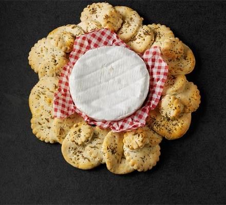 Fennel & poppy seed cracker wreath