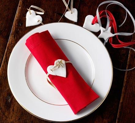 Peppermint & rose cream napkin decorations