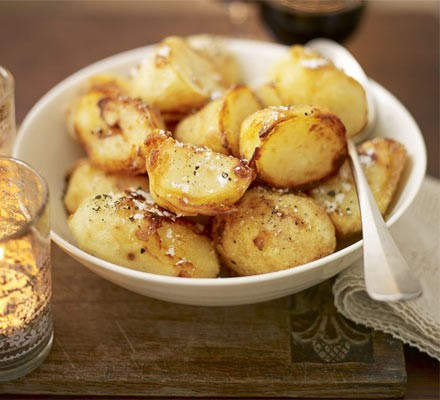 Crispy salt & pepper roasties