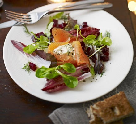 Smoked salmon with horseradish crème fraîche & beetroot