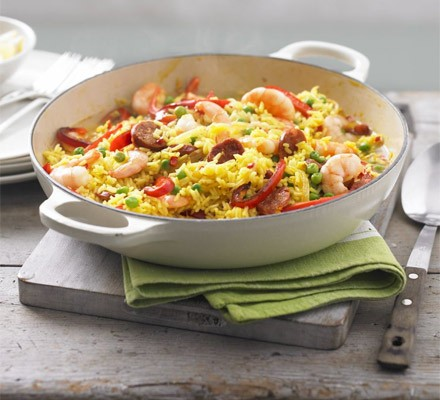 Lemony prawn & chorizo rice pot