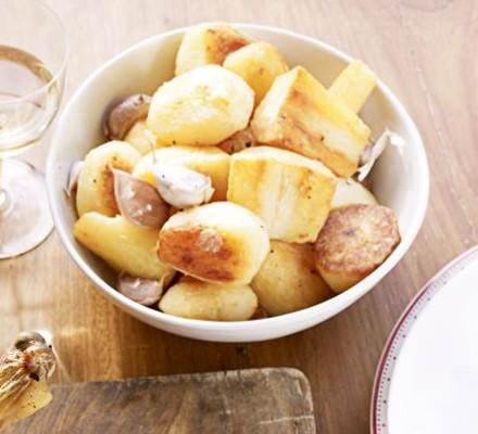 Golden roasted potatoes, parsnips & garlic