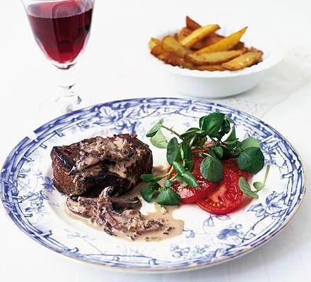 Fillet of beef with mixed peppercorn sauce