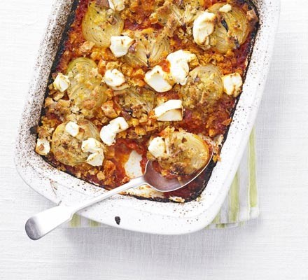 Tomato & onion bake with goat's cheese