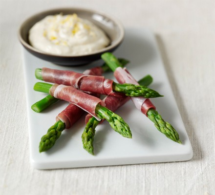 Asparagus wraps with lemon mayo