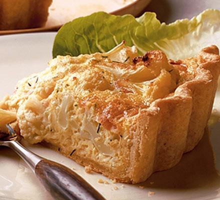 Cauliflower cheese & bacon quiche