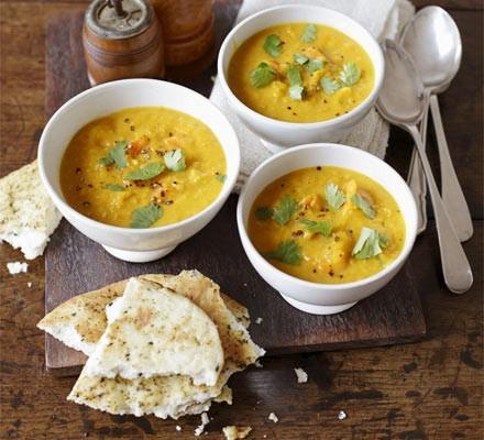 Curried squash, lentil & coconut soup