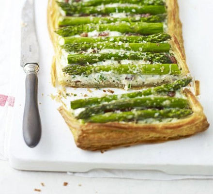 Herby asparagus & bacon tart