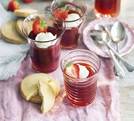 Strawberry & Pimm's jelly