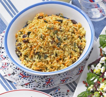 Bulgur wheat with carrots & hazelnuts