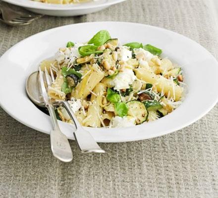 Courgette & ricotta pasta