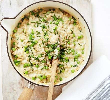 Creamy pea & chive risotto