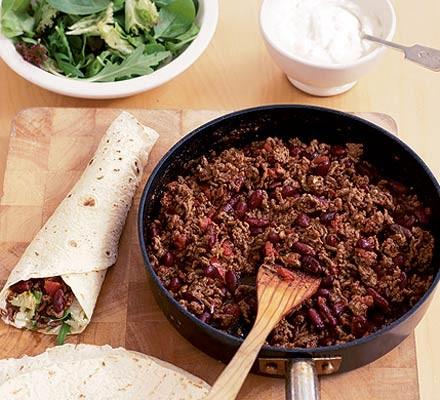 DIY Mexican chilli wraps