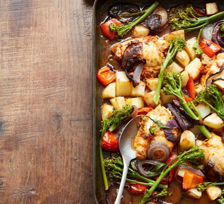 Chicken traybake with vegetables