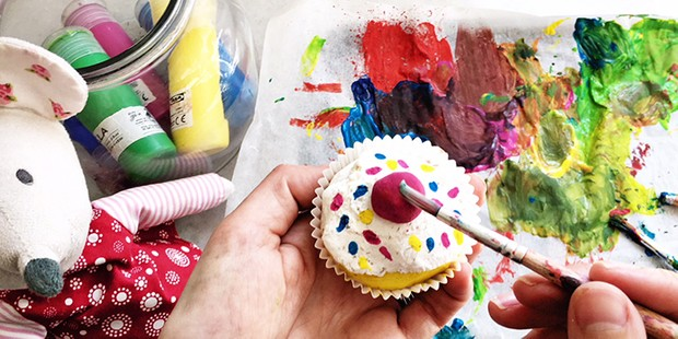 saltdough_image_being_painted_700x350-fcac52e