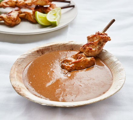 Satay sauce with chicken skewers