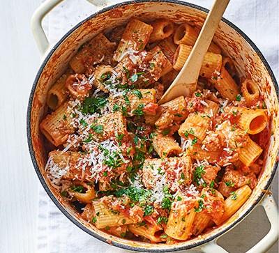 Sausage ragu in white pan