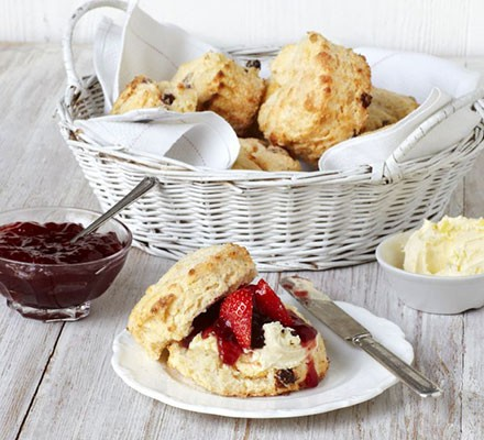 Buttermilk & sultana scones