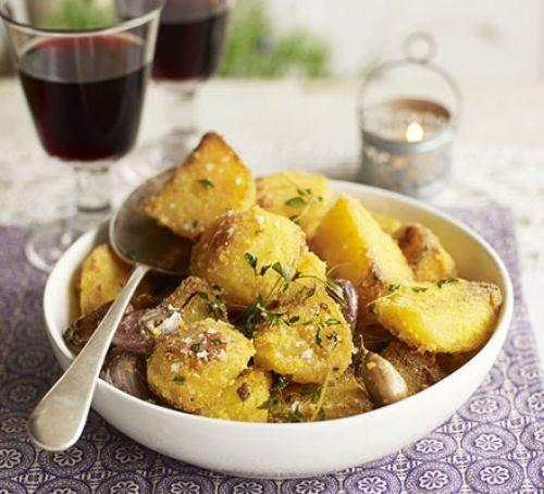 Roast potatoes with semolina in bowl