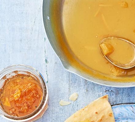 Seville orange, vanilla & cardamom marmalade served in a jar