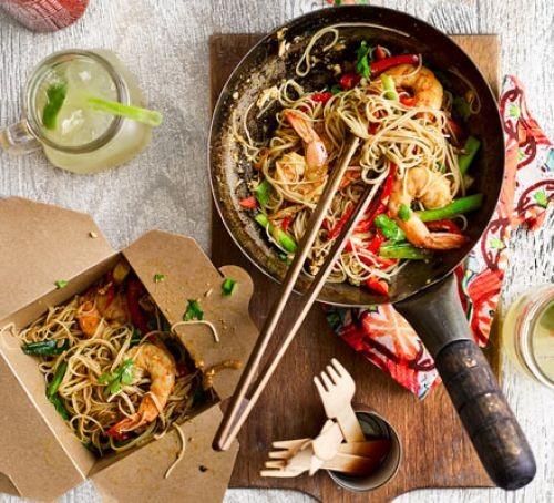 Signapore noodles with prawns
