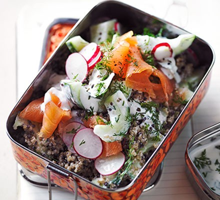 Smoked salmon, quinoa & dill lunch pot