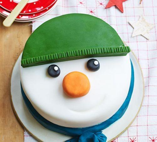 Cake iced wth snowman cake design