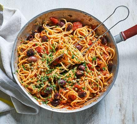 Pot of spaghetti Puttanesca