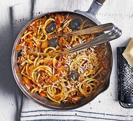Lamb & fennel spaghetti Bolognese