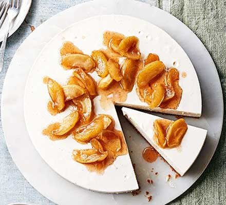Spiced apple cheesecake on a serving plate