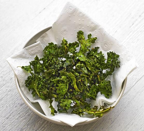 Spiced kale crisps