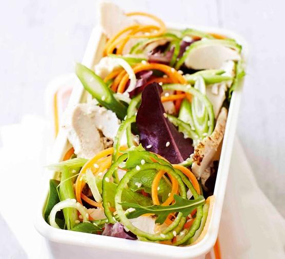 Asian chicken spiralized salad
