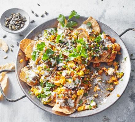 Courgette, jalapeño & feta nachos