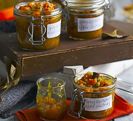 Spicy squash & apple chutney