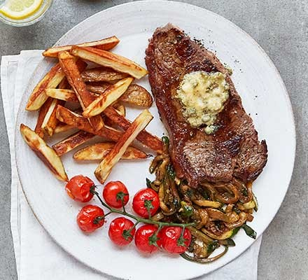Steak & chips served on a plate