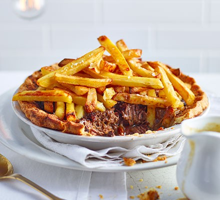 Steak & chips pie in a dish