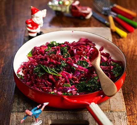 A pan with stir-fried festive cabbage