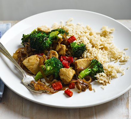 Stir Fried Chicken With Broccoli Brown Rice Recipe Bbc Good Food