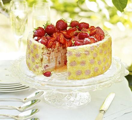 Polka-dot strawberry cake