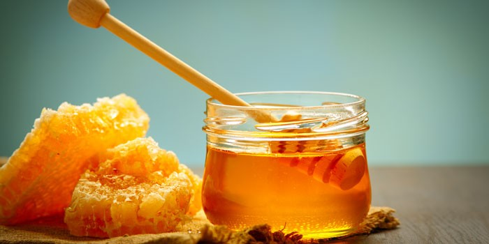Sugar substitutes - honey explained - BBC Good Food