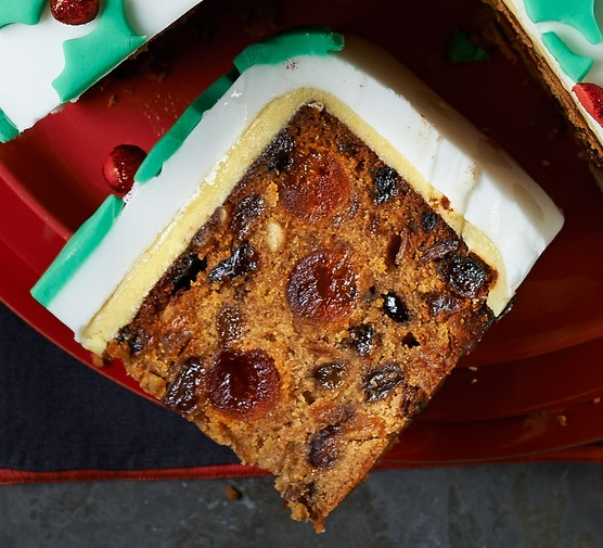 Suits-all Christmas cake
