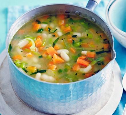 Summer carrot, tarragon & white bean soup