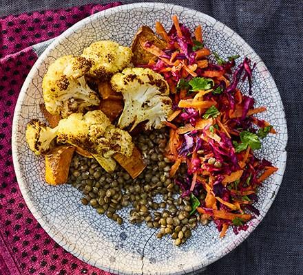 Vegan bowl food: sweet potato & cauliflower lentil bowl