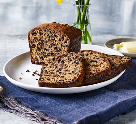Tea loaf cut into slices