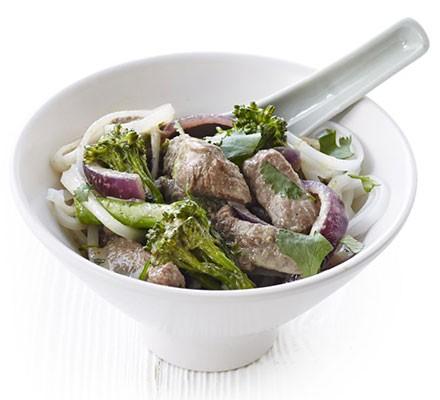 Thai beef & broccoli noodle bowl