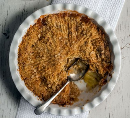 Vegan apple crumble served in a dish
