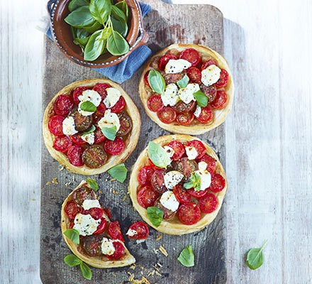 Tomato tarts with roasted garlic & goat's cheese